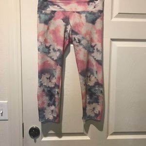 Onzie Tie Dye Pastel Cropped Yoga Leggings